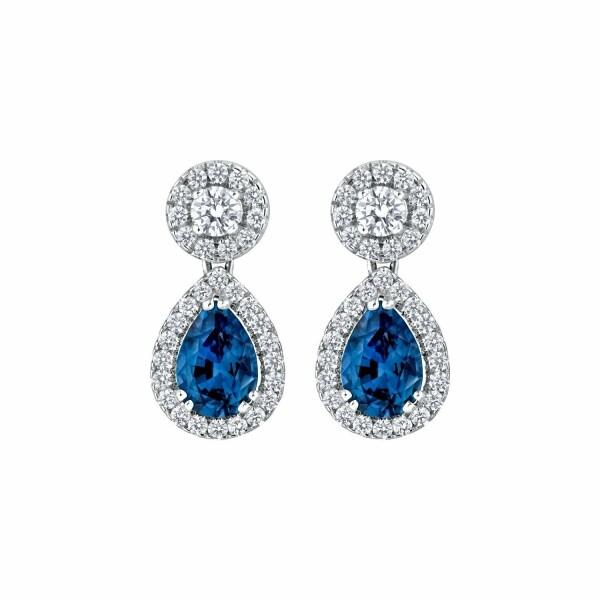 Boucles d'oreilles saphirs bleus taille poire et diamants taille brillant en or blanc