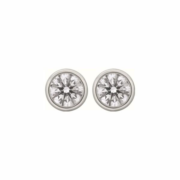 Boucles d'oreilles puces diamants taille brillant serti clos en or blanc