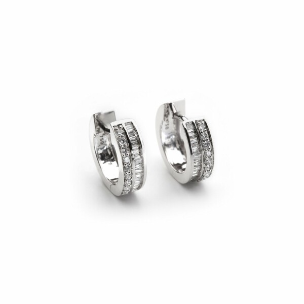 Boucles d'oreilles en or blanc et diamants de 0.354ct