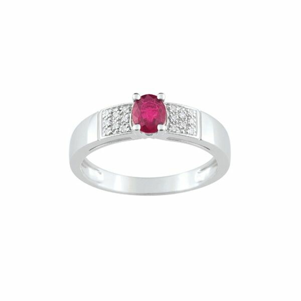 Bague en or blanc, rubis et diamants