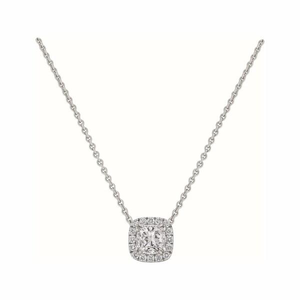 Pendentif diamant taille coussin entouré de diamants taille brillant en or blanc