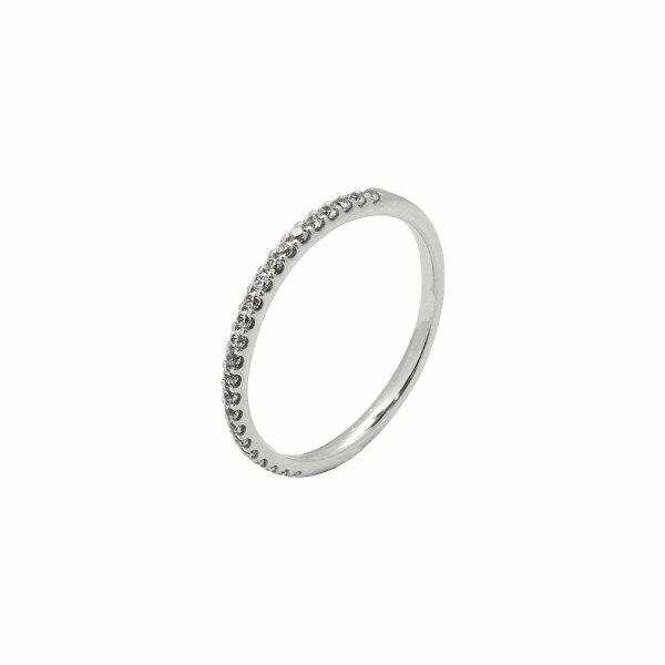 Alliance demi tour en or blanc et diamants de 0.20ct