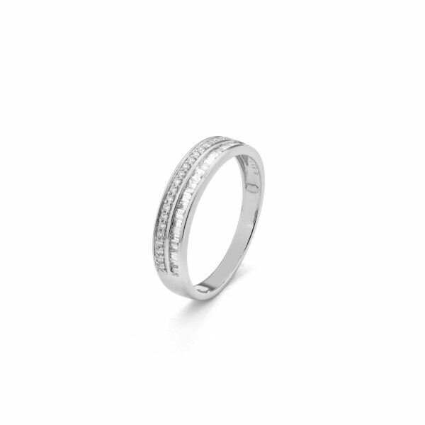 Alliance en or blanc et diamants de 0.348ct