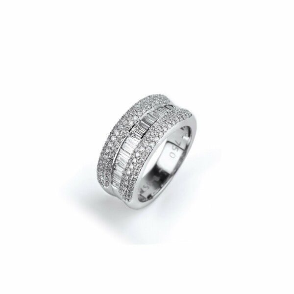 Bague en or blanc et diamants de 1.3cts