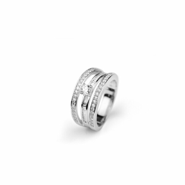 Bague en or blanc et diamants de 0.75ct