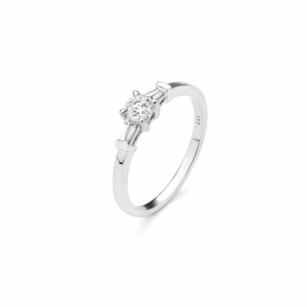 Solitaire accompagné en or blanc et diamants de 0.24ct