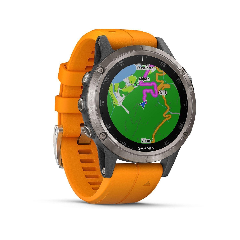Montre connectée Garmin fenix 5 Plus Sapphire Titanium avec bracelet orange vue 2