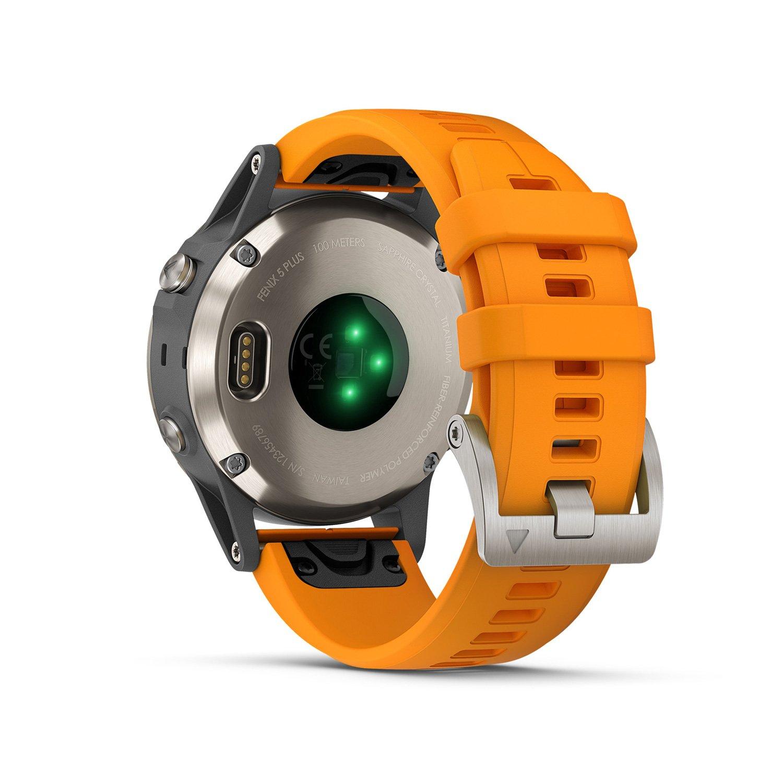 Montre connectée Garmin fenix 5 Plus Sapphire Titanium avec bracelet orange vue 5