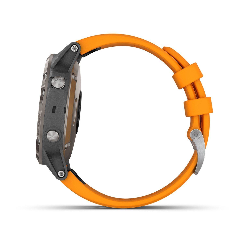 Montre connectée Garmin fenix 5 Plus Sapphire Titanium avec bracelet orange vue 6