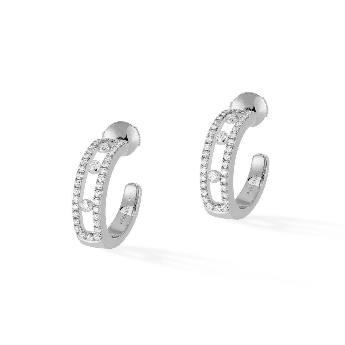 Boucles d'oreilles créoles Messika Move Classique en or blanc et diamants vue 1