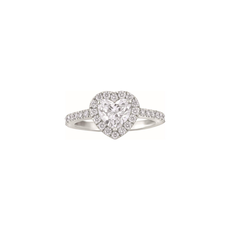Bague Solitaire diamant taille cœur et diamants taille brillant en or blanc palladié