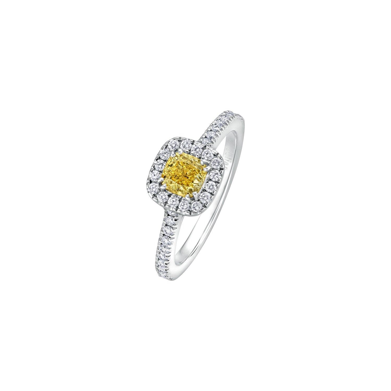 Bague solitaire Diamant jaune Fancy taille coussin entourage et corps pavés diamants en or blanc palladié