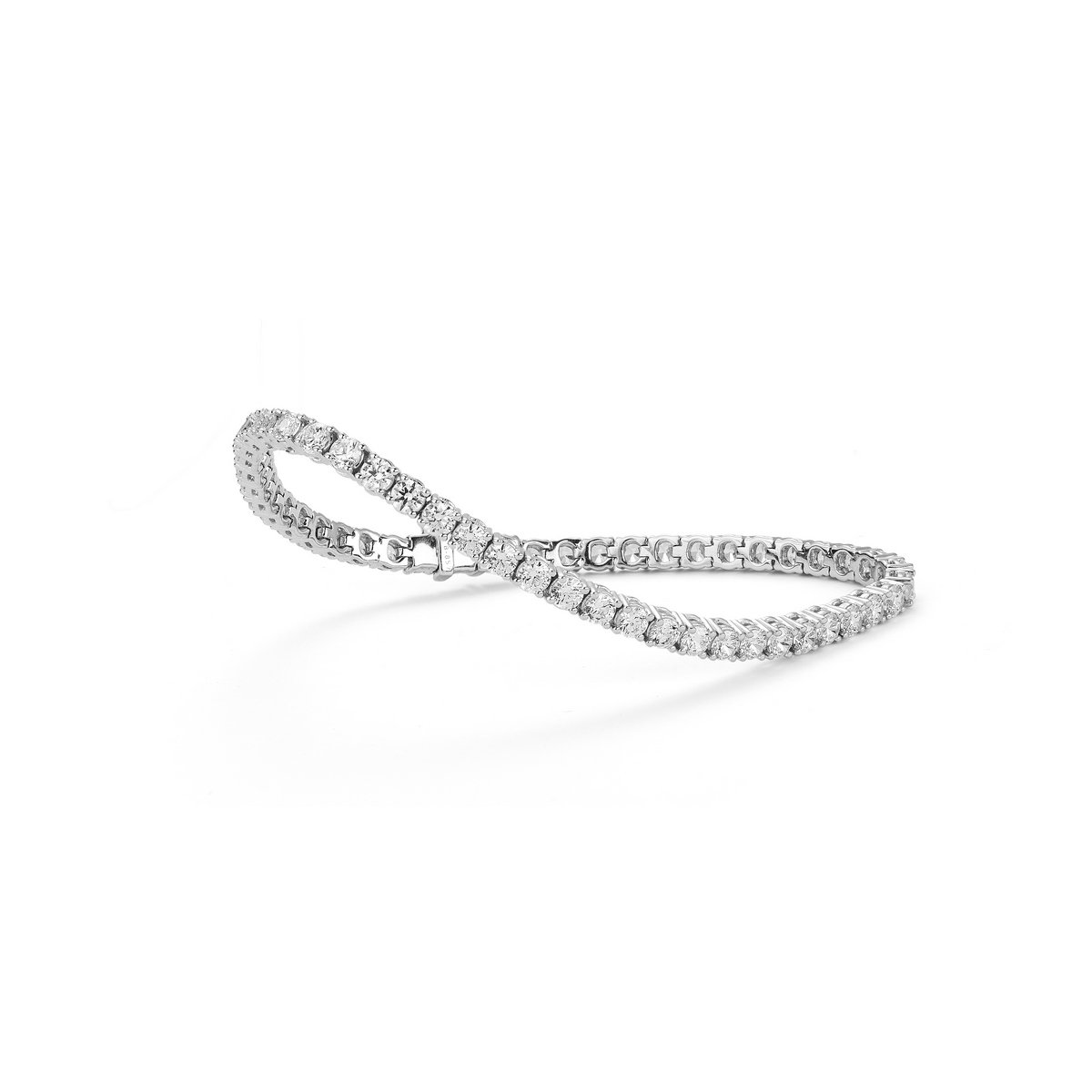 Bracelet en or blanc et diamants de 5cts