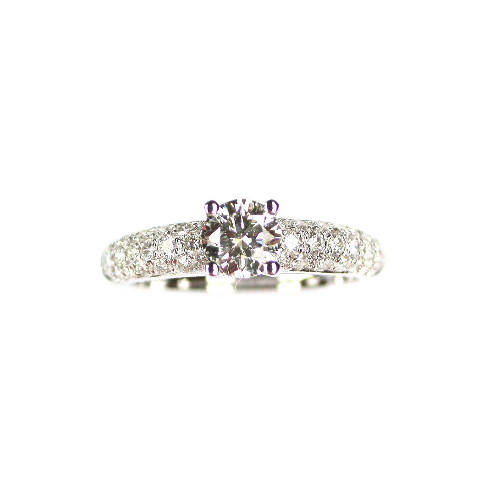 Bague en or blanc, diamant taille brillant de 0.49ct et 42 diamants de 0.53ct, taille 53 vue 2