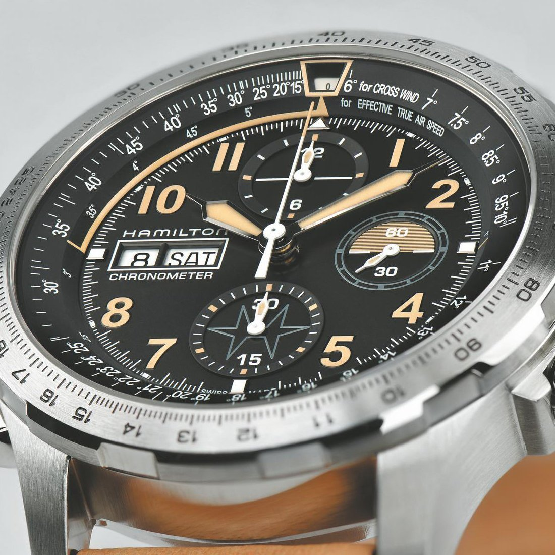 Montre Hamilton Khaki Aviation Khaki X-Wind Automatic vue 2