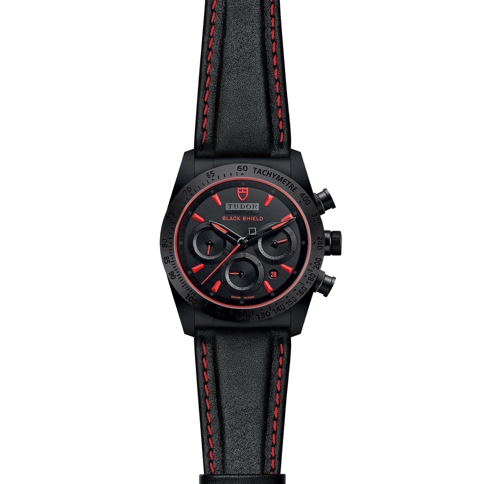 Montre TUDOR Fastrider Black Shield boîtier en céramique, 42mm, bracelet en cuir noir vue 2