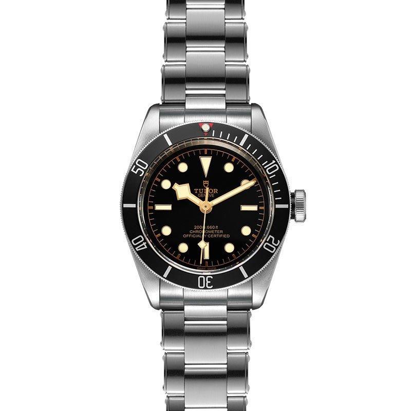 Montre TUDOR Black Bay boîtier en acier, 41mm, bracelet en acier riveté vue 2