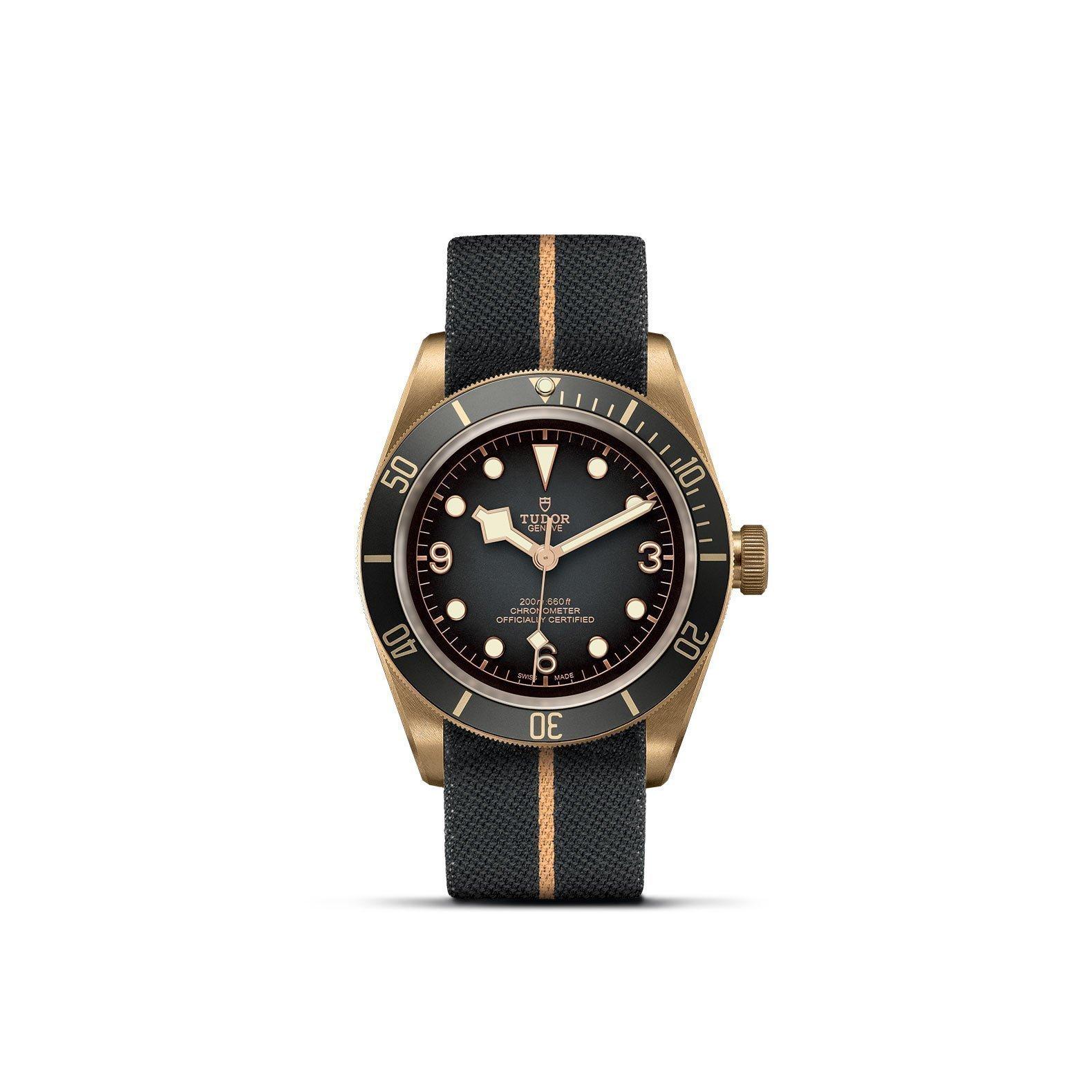 Montre TUDOR Black Bay Bronze boîtier en bronze, 43mm, bracelet en tissu vue 1