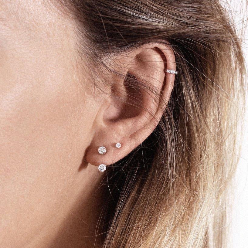 Mono boucle d'oreille Vanrycke Mademoiselle Else en or blanc et 2 diamants vue 4