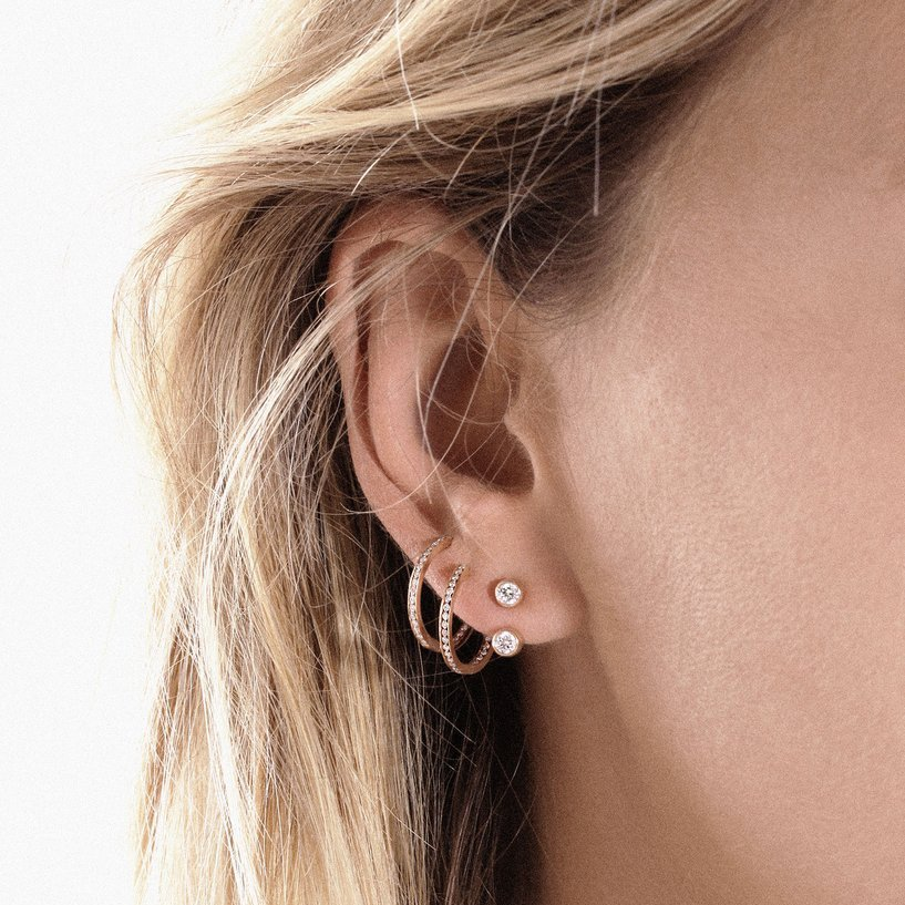 Mono boucle d'oreille Vanrycke Mademoiselle Else en or rose et 2 diamants vue 4